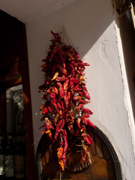 Dried peperonicini
