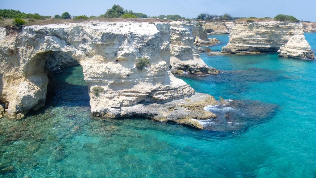 Torre San'Andrea - Salento coast near Lecce (Puglia). Source: Source Wikimedia Commons