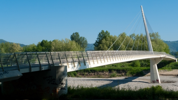 Bridge on the Serchio cycleway near Lucca (Toscana)