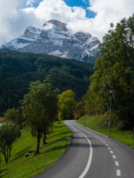 München-Venezia cycle route: the Ciclabile delle Dolomiti between Cortina d'Ampezzo and Calalzo di Cadore