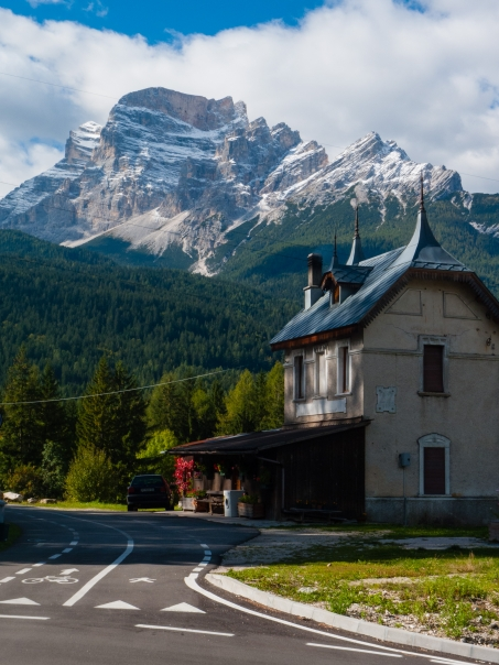 Old station on the Lunga Via delle Dolomiti between Cortina d'Ampezzo and Calalzo di Cadore