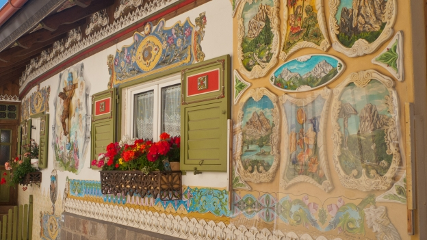 Decorated house Canazei (Trentino)