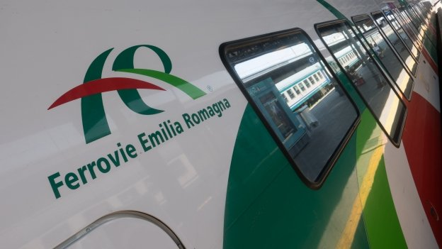 Ferrovia Emilia Romagna train