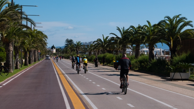 Cagliari: cycleway by the Poetto beach