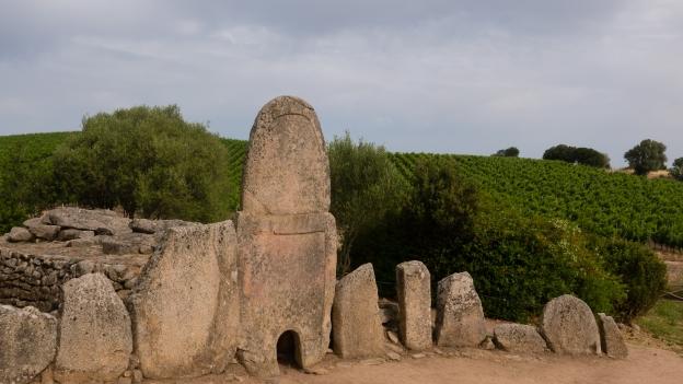Tomba dei Giganti Coddu e Ecchju